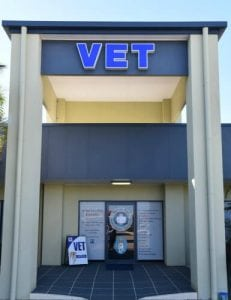 Hervey-Bay-Vet-Surgery-View-of-front-entryway-b.1